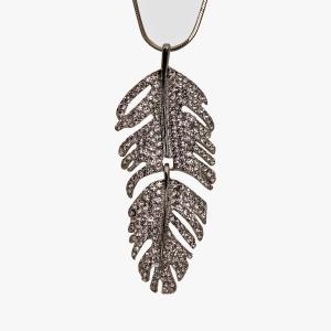 Lesk Long Leaf Necklace