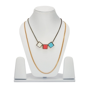 Lesk Layered Necklace with Sqaure Stones.