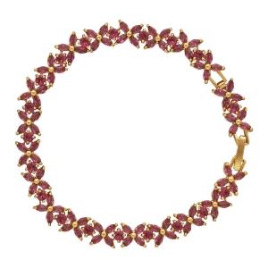 Lesk Embellished Flower Bracelet