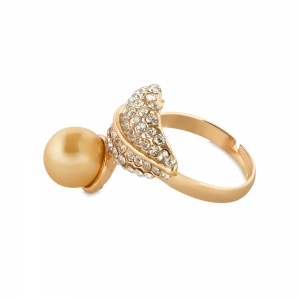 Lesk Adjustable Finger Ring for Women with Pearl Embellishments.