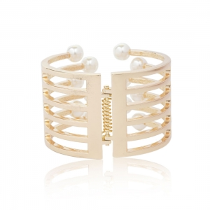 Lesk Pearl Studded Hand Cuff Bracelet